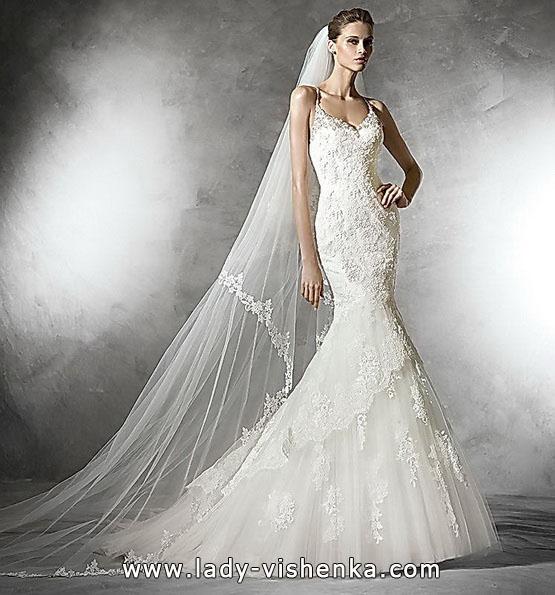 Красиве мереживне весільне плаття рибка - Pronovias