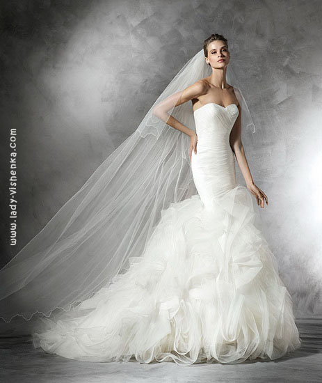 Весільну сукню русалка фото Pronovias