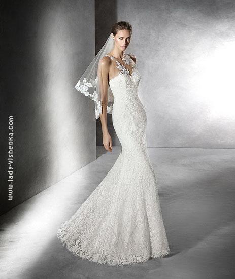 Весільну сукню рибка з короткою фатою Pronovias