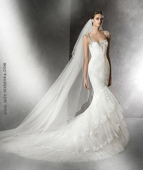 Весільну сукню рибка з шлейфом Pronovias