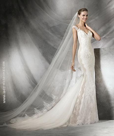 Весільну сукню русалонька з мереживом Pronovias