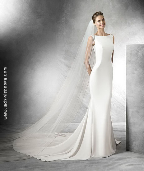 Прямі весільні сукні фото Pronovias