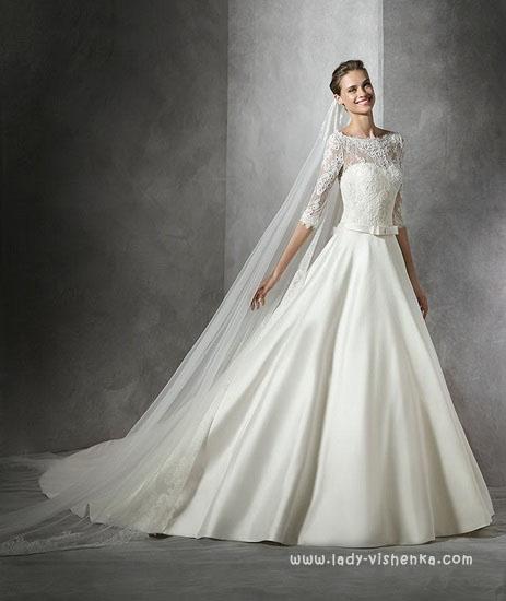 Сайт весільних суконь від Pronovias