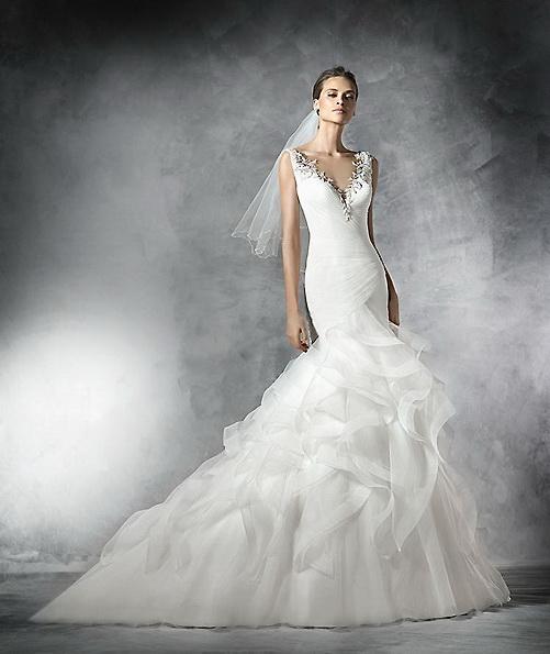 Весільну сукню з атласу - рибка - Pronovias