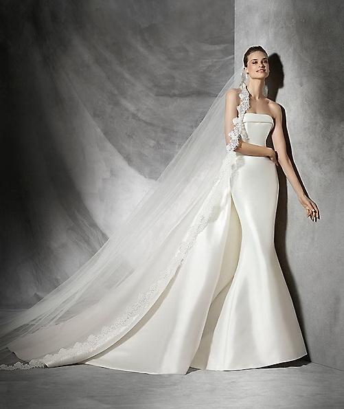 Атласна весільна сукня - рибка - Pronovias