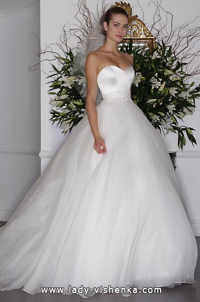 Весільну сукню з атласу 2016 - Romona Keveza