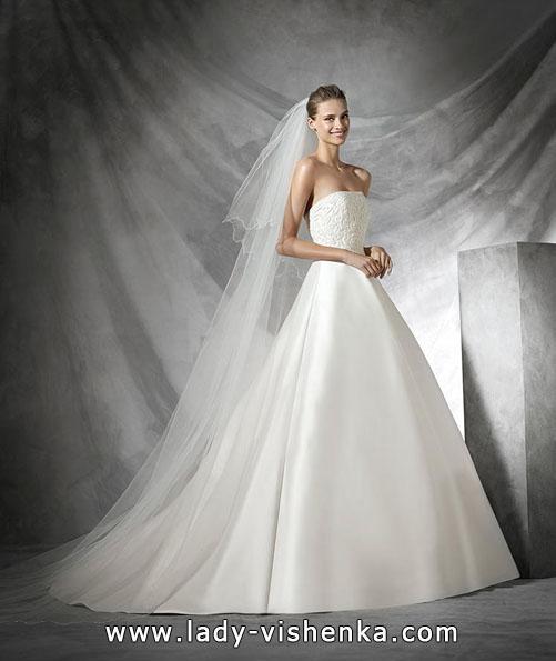 Весільну сукню з атласу весна 2016 - дизайнер Pronovias