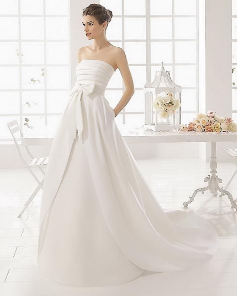 Атласна весільна сукня зі шлейфом - Aire Barcelona новинка 2016