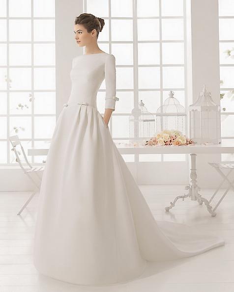 Весільну сукню з атласу зі шлейфом - Aire Barcelona фото 2016