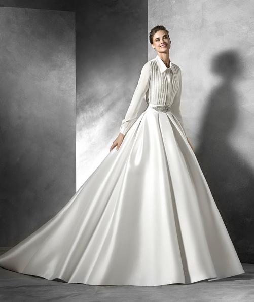Весільну сукню з атласу з довгим рукавом зі шлейфом - Pronovias 2016