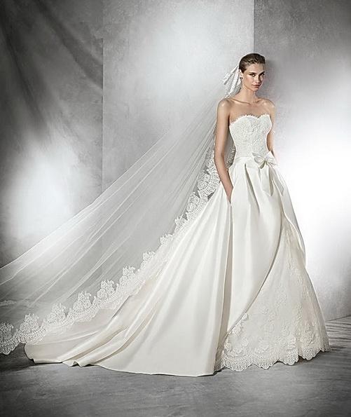Пишна весільна сукня з атласу зі шлейфом - Pronovias 2016
