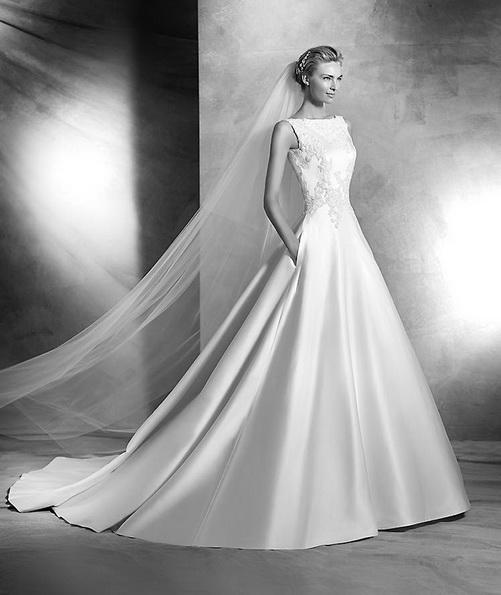 Весільну сукню принцеси з атласу зі шлейфом - Pronovias 2016