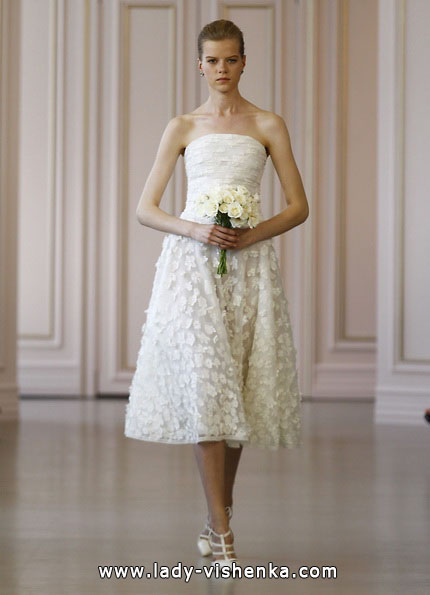 Весільне плаття коротке мереживне 2016 - Oscar de la Renta