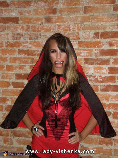 Червона шапочка - вампір