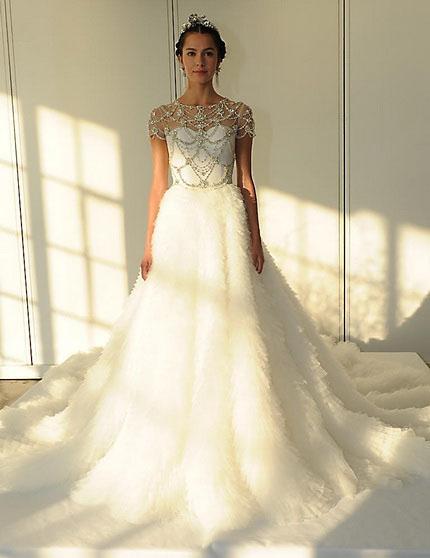Весільну сукню зі шлейфом і закритими плечима 2016 - Marchesa