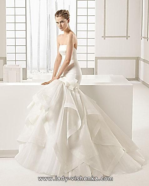 Весільну сукню рибка з шлейфом - ROSA CLARA