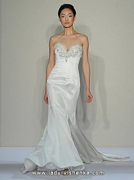 Весільну сукню рибка з шлейфом - Dennis Basso
