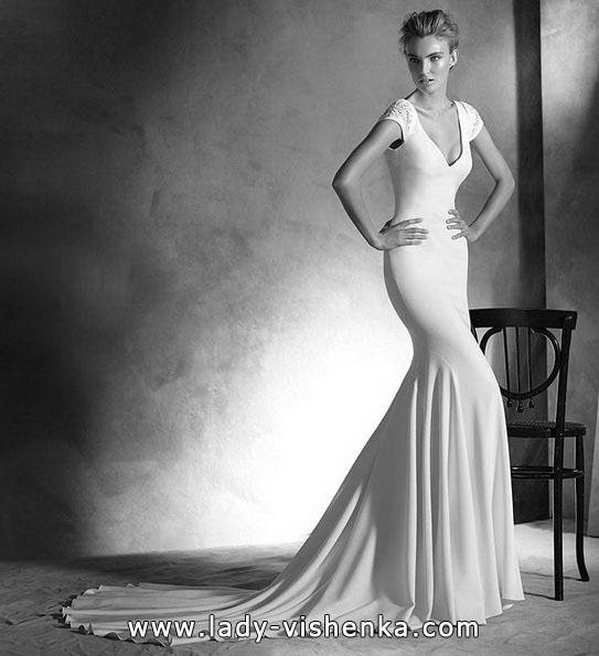 Весільну сукню русалонька зі шлейфом - Pronovias