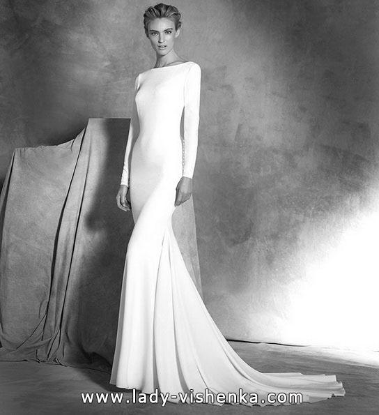 Весільну сукню рибка з шлейфом - Pronovias