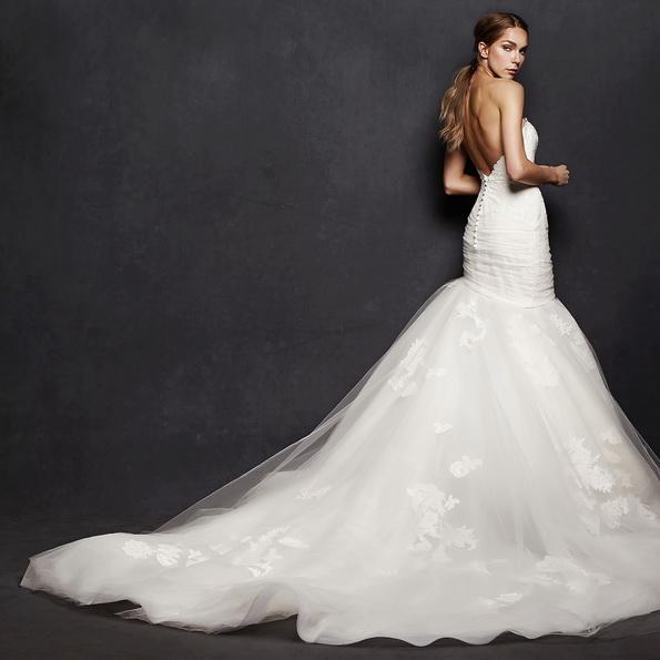 Пишне весільне плаття рибка з шлейфом - Isabelle Armstrong