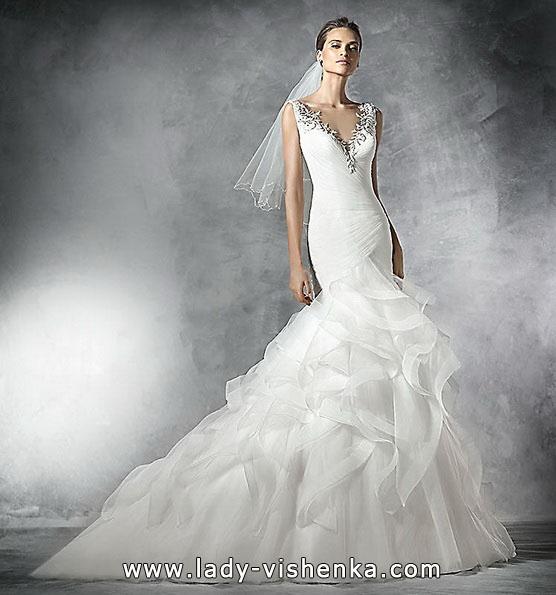 Весільну сукню рибка з шлейфом 2016 -Pronovias
