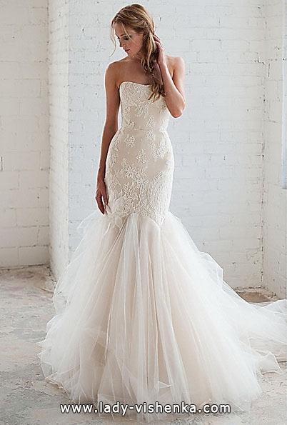 Весільну сукню рибка з шлейфом - Tara LaTour
