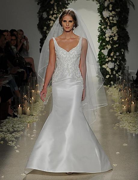 Весільну сукню з атласною спідницею Anne Barge 2016