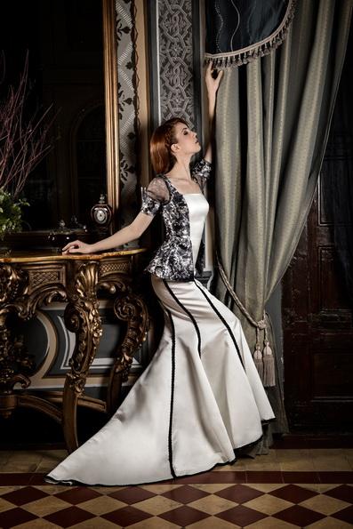 Весільну сукню з атласною спідницею Jordi Dalmau 2016