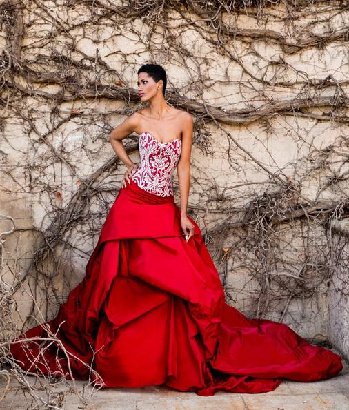 Червоне весільне плаття з атласною спідницею Jordi Dalmau 2016