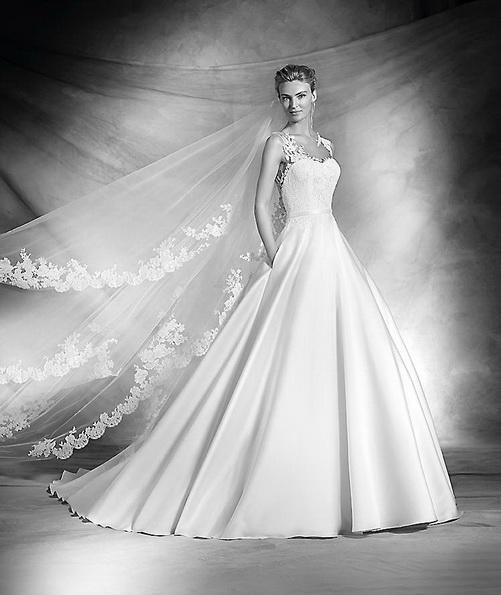 Весільну сукню з атласною спідницею Pronovias - Весна 2016
