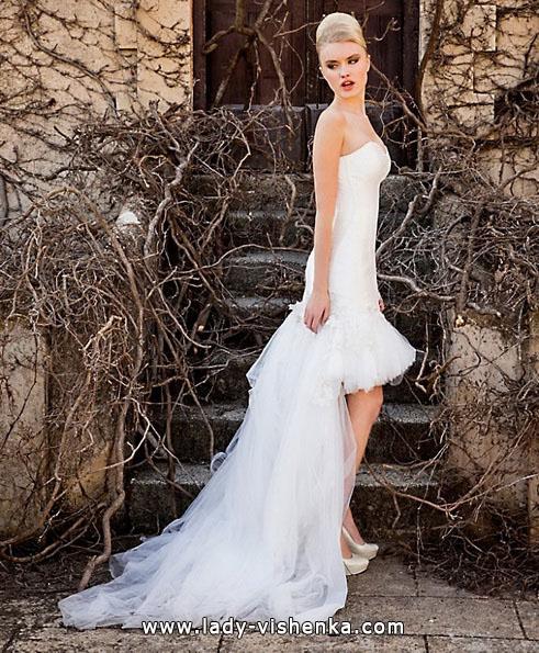 Весільне плаття коротке зі шлейфом - Jordi Dalmau