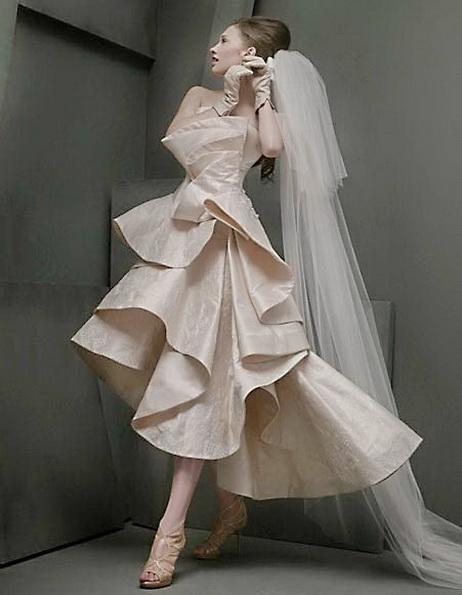 Весільну сукню короткий спереду з фатою 2016 - St Pucchi
