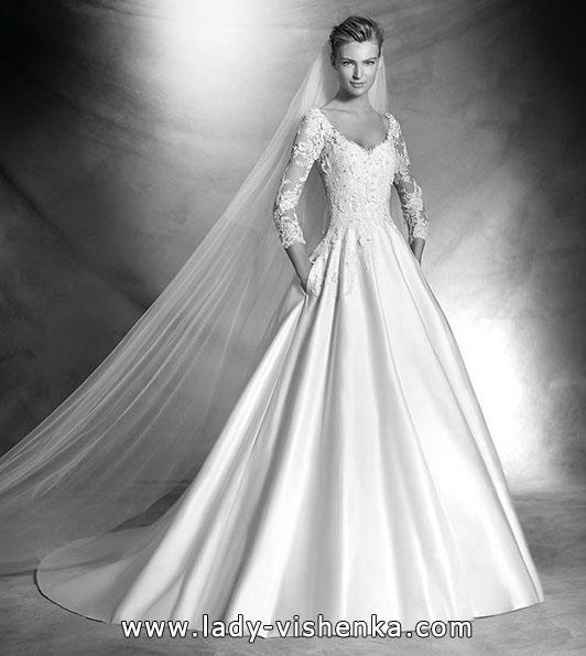 Весільні сукні з мереживними рукавами фото новинки - Pronovias