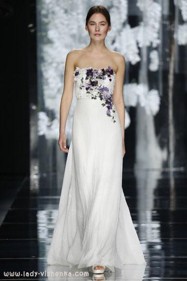 Красиве весільне плаття з квітами YolanCris